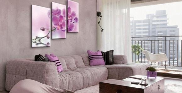 Гармоничным считается расположение модульных изображений вдоль мебели