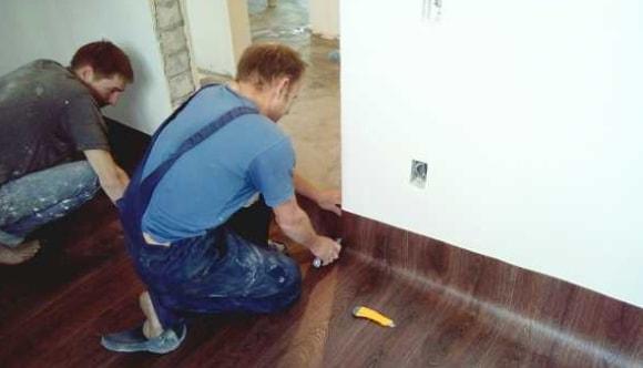 Как уложить линолеум на бетонный пол без клея