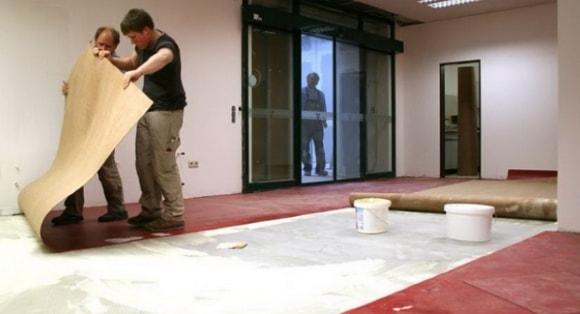 Как постелить линолеум на бетонный пол своими руками