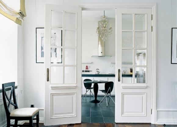 Белые двери и плинтуса