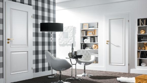 Плинтуса белого цвета в гостинной