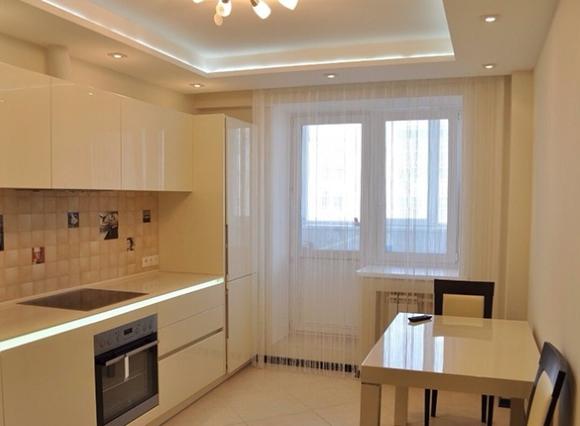 Подсветка потолка в интерьере кухни