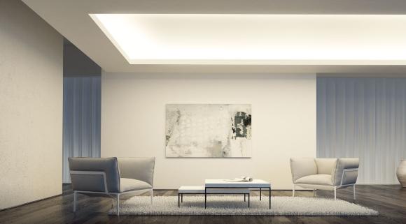 В гостинной потолок с подсветкой