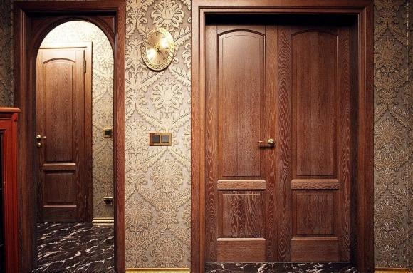 Двойные двери в ванную и туалет