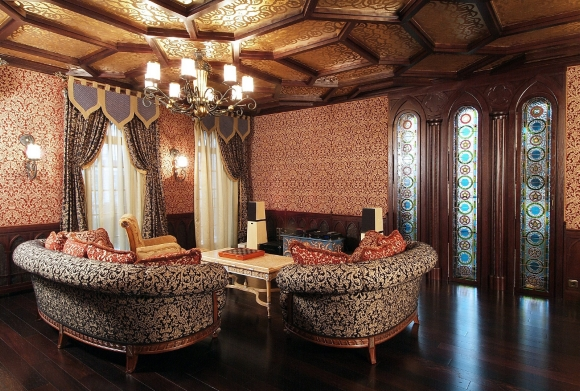 Темный ламинат в гостинной готического стиля