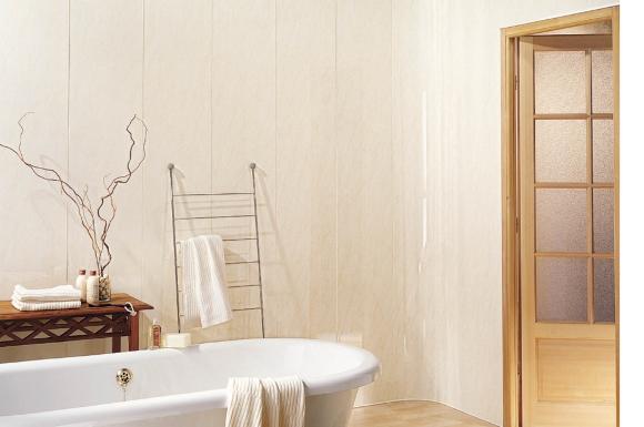 Светлые панели в ванной комнате