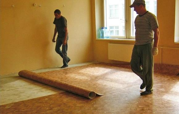 Линолеум на тканевой основе на деревянный пол
