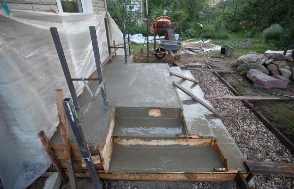 Заливка бетоном крыльца