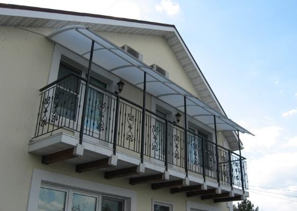 Козырек балкона фото