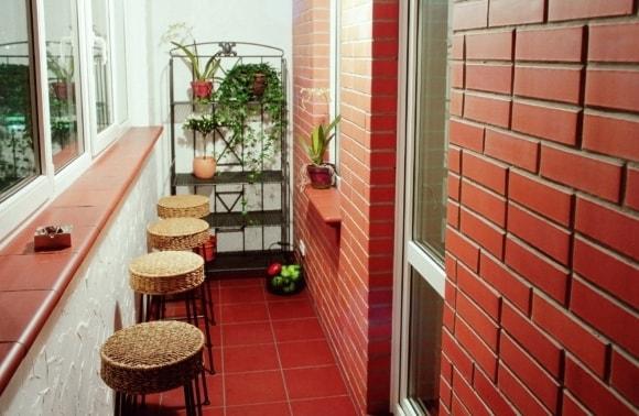 Ремонт балконов и лоджий под ключ на фото