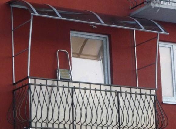 Ремонт козырька балкона или лоджии своими руками