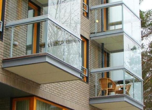 Застекленные балконы и лоджии
