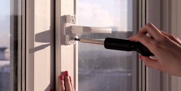 Замена ручки балконной двери