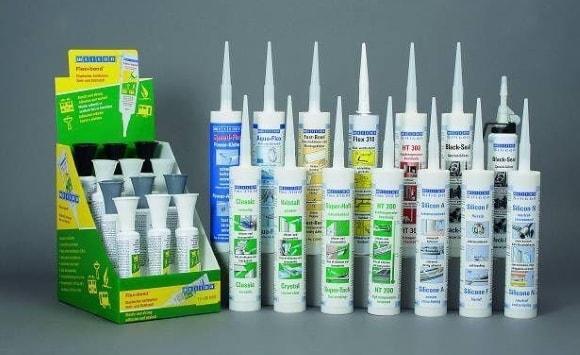 Клей для полиуретановых плинтусов белого цвета