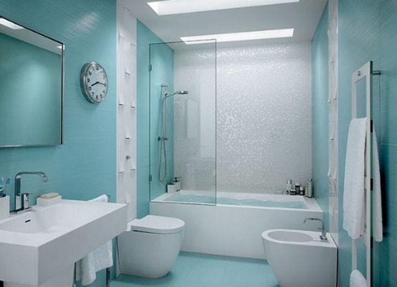 Душевая с туалетом без ванны в ванной комнате