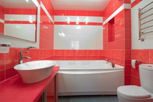 Варианты дизайна для маленькой ванной комнаты, совмещённой с туалетом