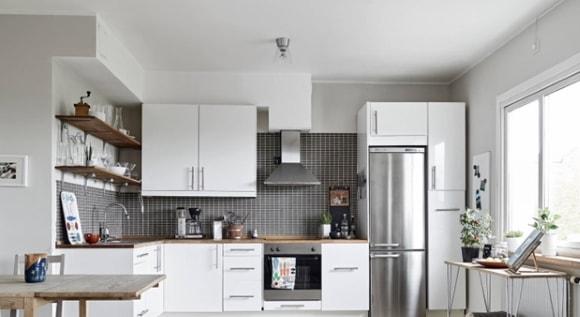 Дизайн кухни с холодильником
