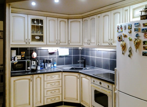 Вариант дизайна угловой кухни
