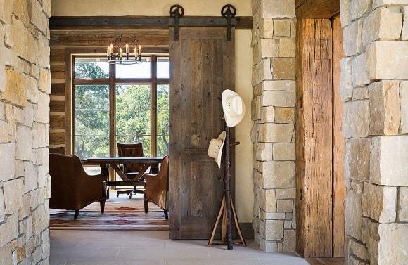 Амбарная дверь в стиле лофт
