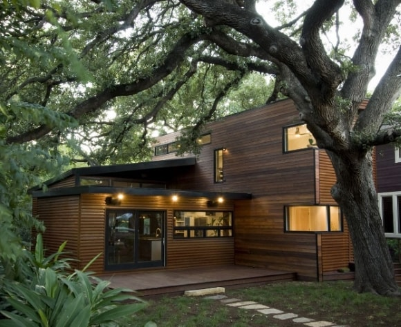 Фасад деревянного дома в стиле лофт