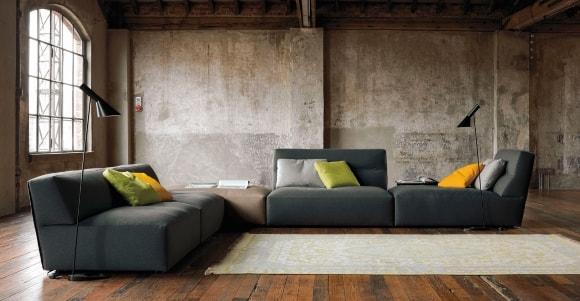 Модульный диван в лофт-интерьере