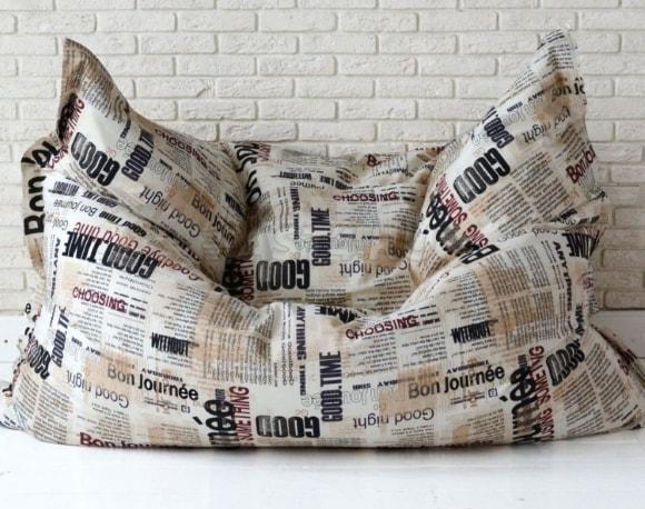 Подушка в стиле лофт, имитирующая газету