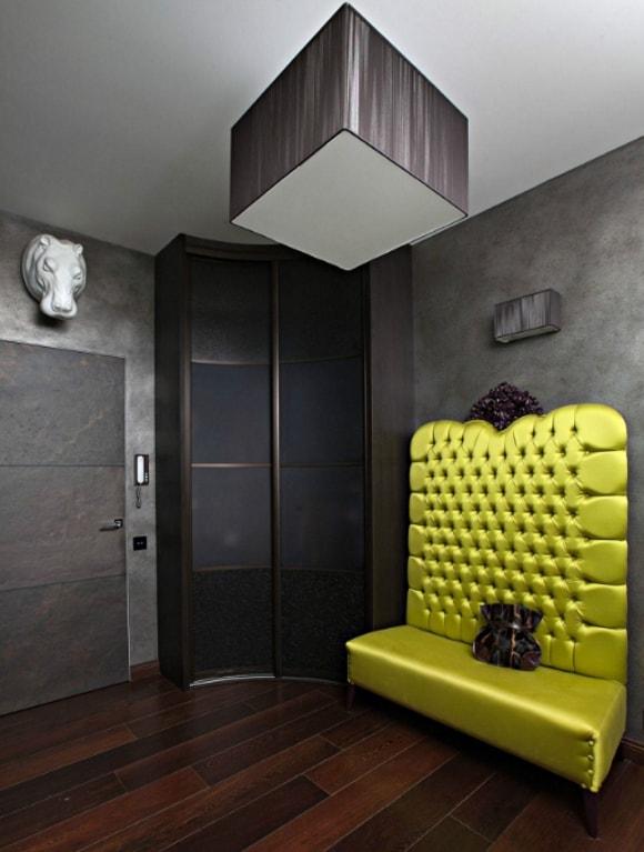 Прихожка с диванчиком в коридоре