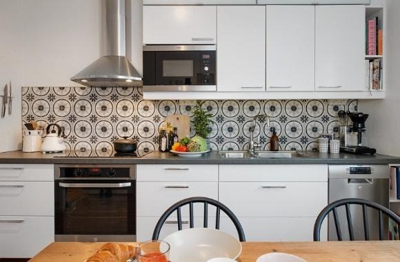 Декорирование скандинавского интерьера кухонным фартуком