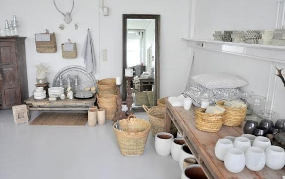 Декорирование скандинавского интерьера посудой