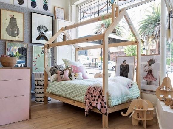 Детская кроватка скандинавского стиля