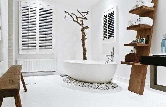 Дизайн интерьера крупной ванной скандинавского стиля