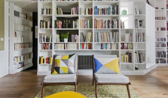 Домашняя библиотека скандинавского стиля
