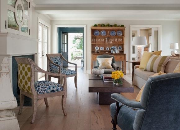 Классические стулья скандинавского стиля