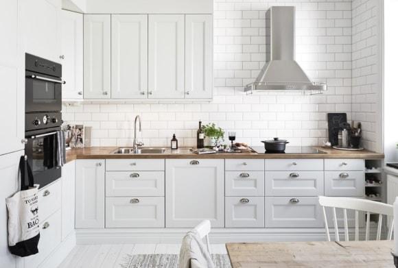 Кухня скандинавского стиля белого цвета