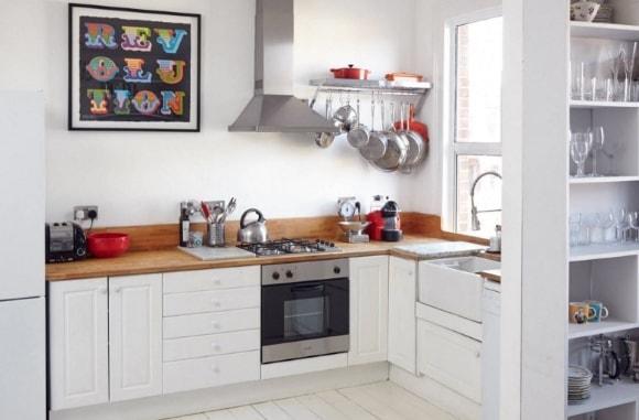 Кухня скандинавского стиля без шкафов сверху