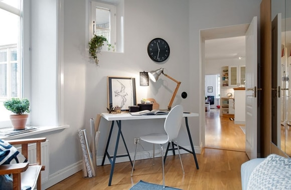 Письменный столик скандинавского стиля