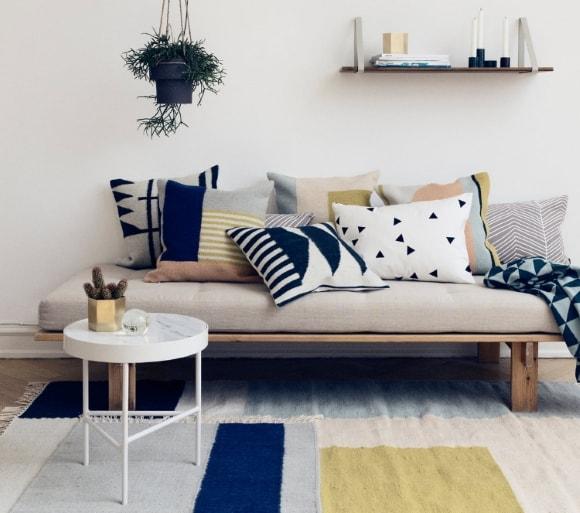 Подушки в интерьере скандинавского стиля