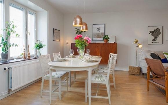 Прямоугольный обеденный стол в интерьере скандинавского стиля