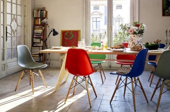 Стулья-ковши в интерьере кухни скандинавского стиля