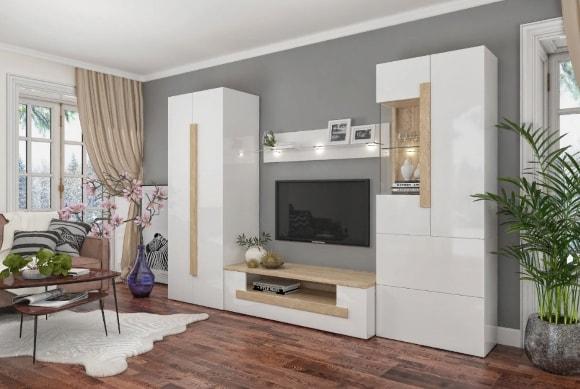 Белая глянцевая стенка в гостиной