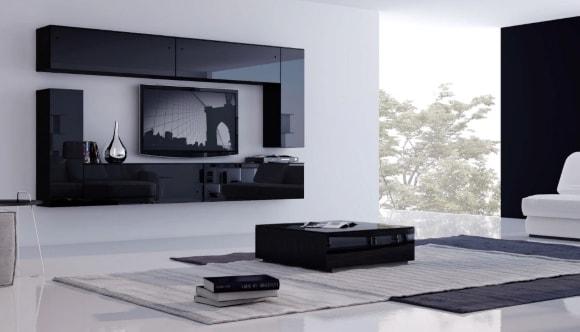 Черная глянцевая стенка в интерьере гостиной