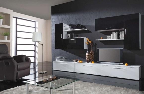 Черно-белая стенка в гостиной