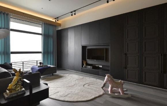 Встроенная стенка в интерьере гостиной